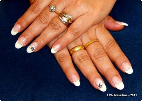 nailart-white